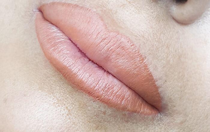 aquarelle lips su carnagione olivastra
